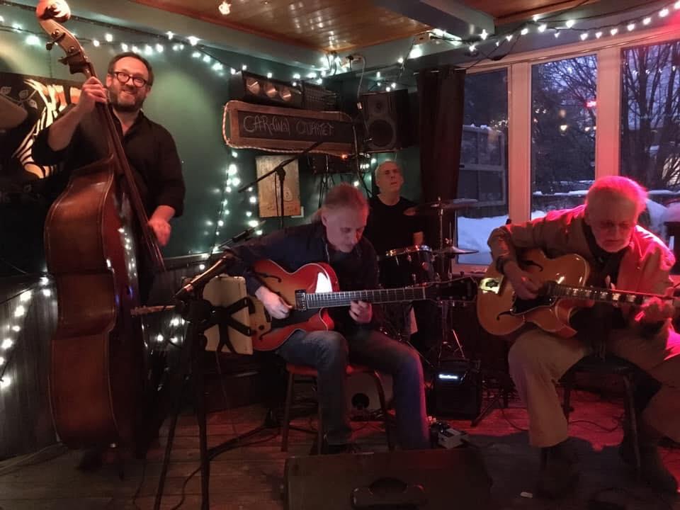 Cardinal Trio invite Mike Gauthier